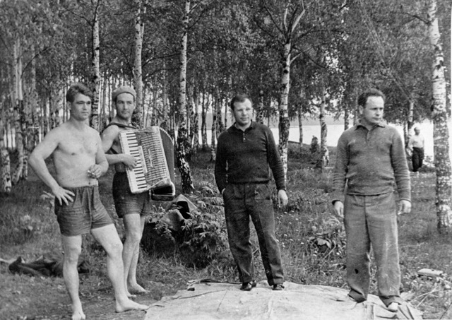 Юрий Гагарин - биография. Фото Ю.А. Гагарина в космосе.