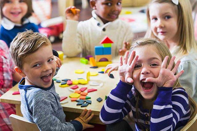 Проводим игровые занятия со школьниками на развитие эмоций