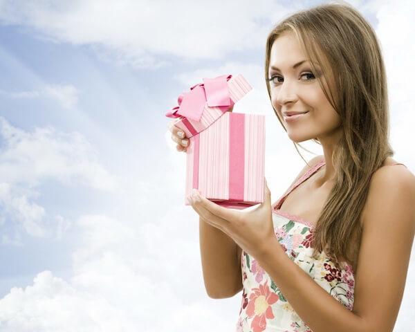 Что подарить подруге на день рождения 13 лет: советы