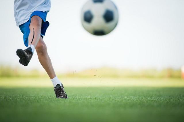 Подвижные игры с элементами футбола