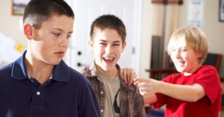 Соблюдает ли ваш ребенок правила поведения в школе?